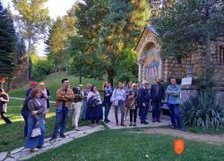 V sklopu konference so udeleženci obiskali samostan Tronoša in rojstno hišo Vuka Karadžića. Foto: A. Pukl, 2021