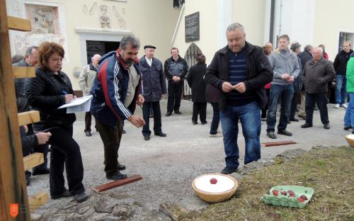 Easter egg game in Primskovo near Litija.