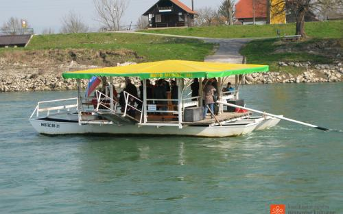 Vožnja z brodom na Mostecu.