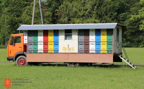 Mobile beekeeping.