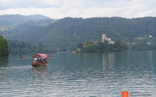 Izdelovanje pleten in vožnja z njimi po Blejskem jezeru.