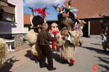 Kulturno društvo folklornih dejavnosti korant Spuhlja. Photo: Marijan Petek, 2011.