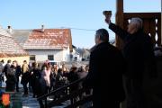 Licitacija krač in salam v Tomišlju. Foto: A. Jerin, 2019