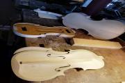 Postopek izdelovanja violine, Izobraževalni inštitut Antonio Stradivari, Cremona. Foto: A. Pukl, 2019